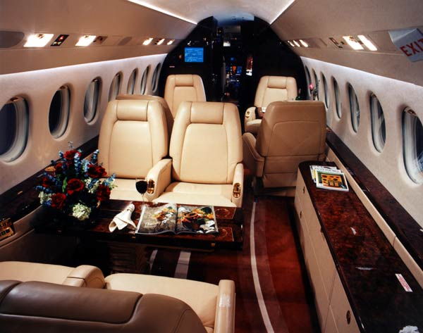 falcon 2000 l 39 avion d 39 affaires de dassault aviation