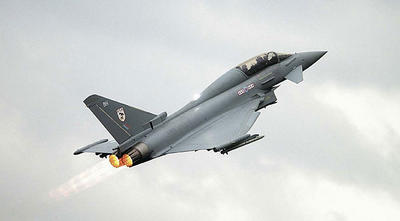 eurofighter-typhoon-biplace-avion-de-combat-post-combustion