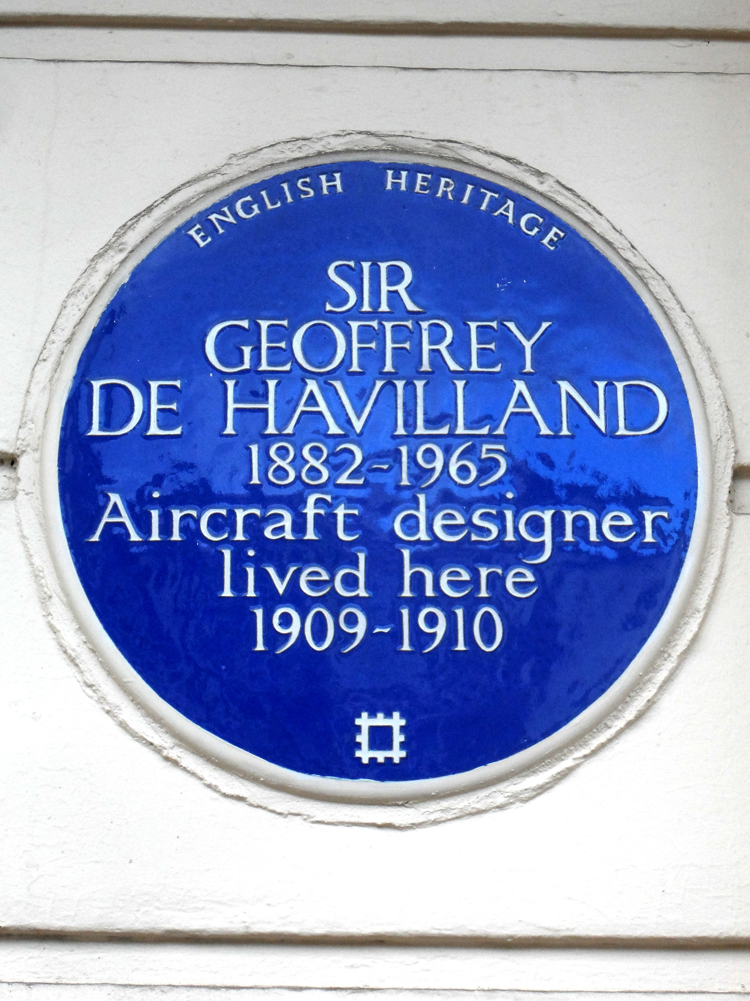 SIR_GEOFFREY_DE_HAVILLAND_1882-1965_Aircraft_designer_lived_here_1909-1910